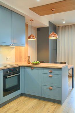 Niebieskie fronty kuchenne w klasycznym stylu