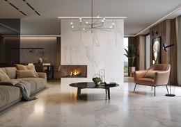 Ekskluzywny, przestronny salon z kominkiem w białym marmurze
