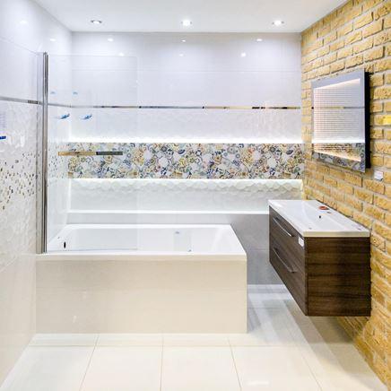 Patchwork i cegła - aranżacja łazienki BLU salon łazienek Włocławek