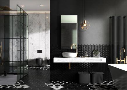 Czarna łazienka w stylu glamour