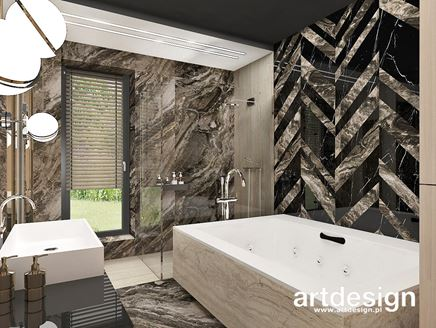 Kamienna jodełka w łazience z wanną i prysznicem