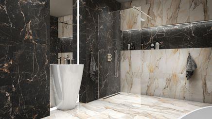 Czarny i biały marmur z dodatkiem złota w łazience w stylu glamour
