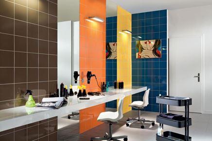 Kolorowe wnętrze salonu fryzjerskiego