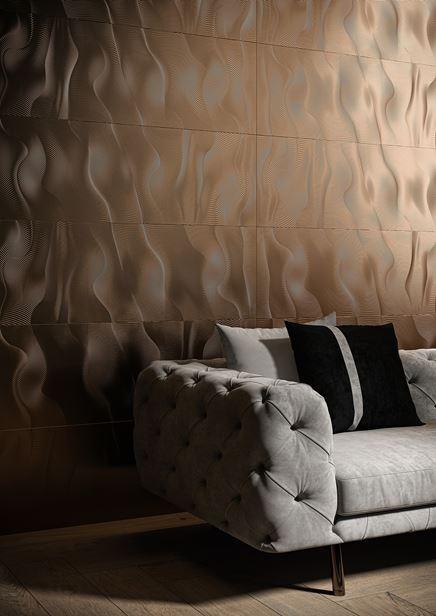 Miedziane dekory w salonie glamour