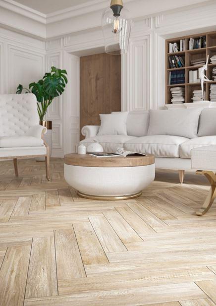 Salon w stylu klasycznym z drewnianą podłoga