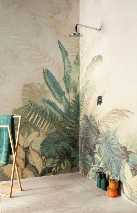 Beże i florystyczne motywy w strefie prysznicowej