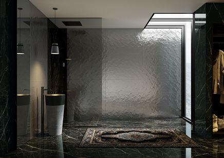 Łazienka glamour w czarnym kamieniu i szarej strukturze Paradyż Sleeping Beauty