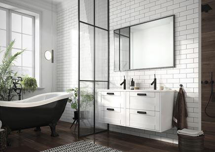 Drewno i cegiełka w klasycznej łazience Elita Inge New