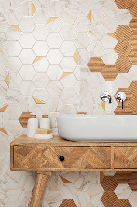 Detal heksagonów Flare w stylowej łazience