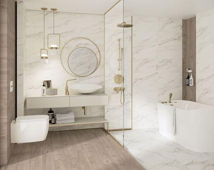 Stylowa łazienka w marmurze i drewnie