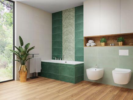 Zielona łazienka z florystycznymi wzorami