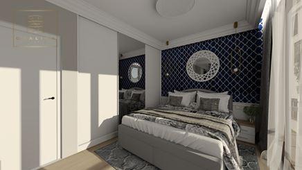 Sypialnia w stylu Hamptons z granatową tapetą