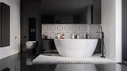 Czarno-biała łazienka z patchworkiem i wanną wolnostojącą