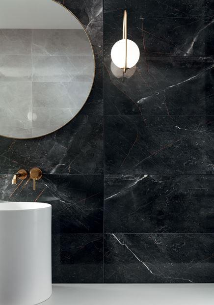 Ciemny kamień Tubądzin Brainstorm w stylowej łazience