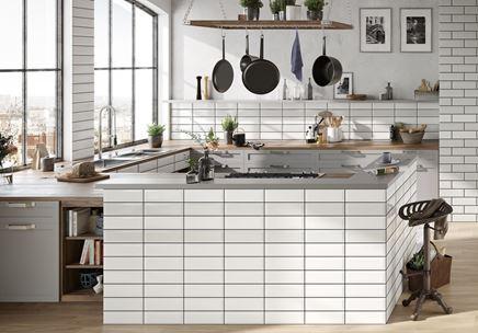 Kuchnia w bieli z domieszką szarości Opoczno Salsa&Metro Style