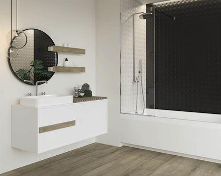 Czarno-biała łazienka z drewnianymi elementami Paradyż Modul/Purio