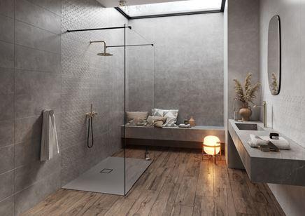 Nowoczesna łazienka w szarym betonie i drewnie