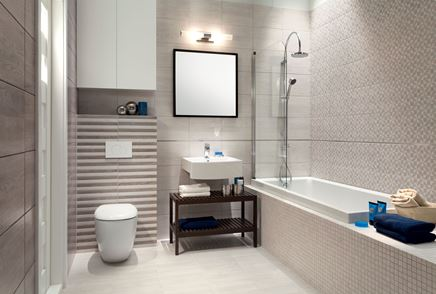 Beżowa łazienka z mozaiką i płytką strukturalną