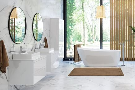 Nowoczesna łazienka z białymi meblami