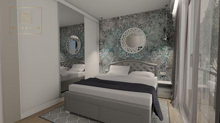Przecierana tapeta w przytulnej, rodzinnej sypialni