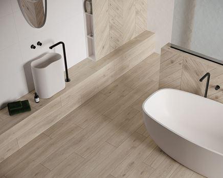 Jasna łazienka w drewnie Paradyż Heartwood