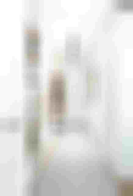 Skandynawski przedpokój w białej cegle