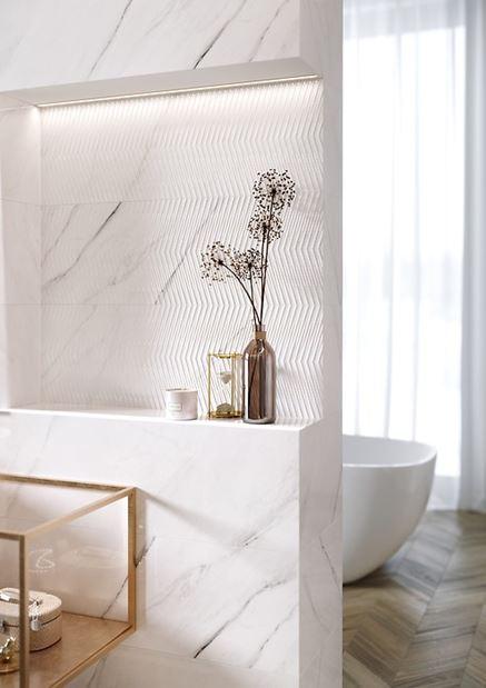 Marmurowa płytka strukturalna i gładka Carrara Chic