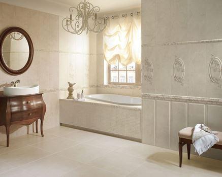 Marmurowa łazienka z beżową mozaiką i dekorami Belat/Belato