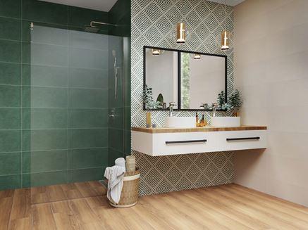 Zielona łazienka z geometrycznymi dekorami