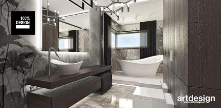 Łazienka z tapetą w kwiatowy motyw