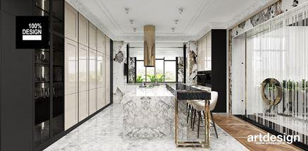 Elegancka otwarta kuchnia z dodatkiem czerni i marmuru