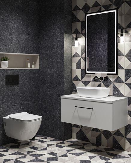 Antracytowa łazienka z geometrycznymi dekorami