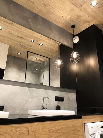 Drewniany sufit w łazience