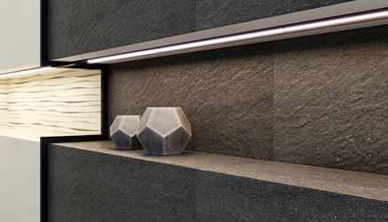 Detal antracytowej płytki strukturalnej