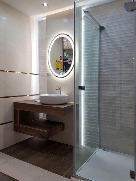 Elegancka mała łazienka - BLU salon łazienek Cieszyn