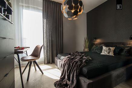 Sypialnia w ciemnych odcieniach