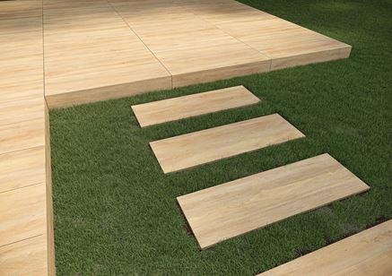 Detal płyty tarasowej z wzorem drewna Cerrad Tauro