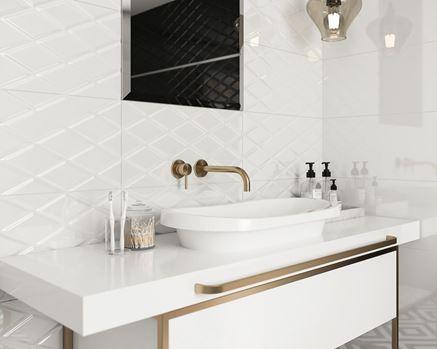 Klasyczna łazienka ze złotymi zdobieniami Paradyż Moonlight