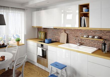 Biała kuchnia z ceglastą ścianą Deante Lusitano