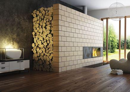 Salon z kominkiem w drewnie i kamieniu