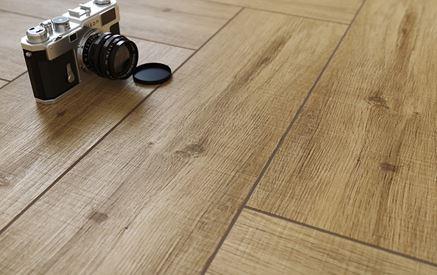 Detal płytki drewnopodobnej Cersanit