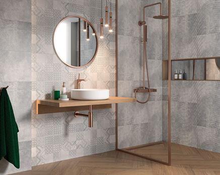 Szara łazienka z płytką strukturalną i patchworkową Paradyż Harmony