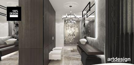 Łazienka z trójkątnymi dekorami
