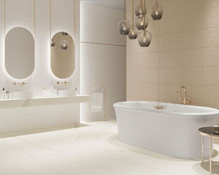 Biało-złota łazienka w stylu glamour