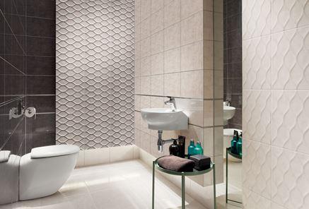 Toaleta w szarościach ze ścianą strukturalną Domino Ren