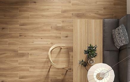 Drewniana podłoga w kawiarni
