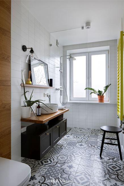 Piękna łazienka z płytką patchwork