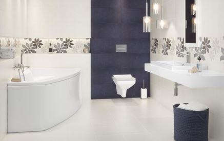 Eklektyczna łazienka w bieli i fiolecie