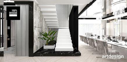 Czarno-biała klatka schodowa w rezydencji