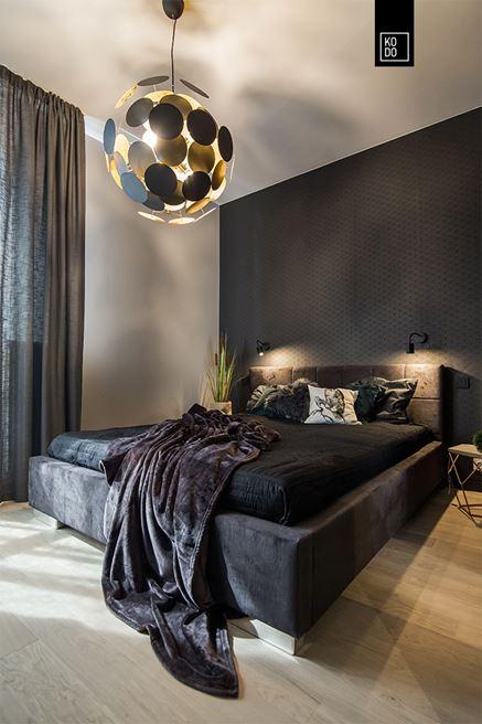 Ciemna, klimatyczna sypialnia